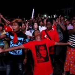 Vers une large victoire du parti d'Aung San Suu Kyi en Birmanie